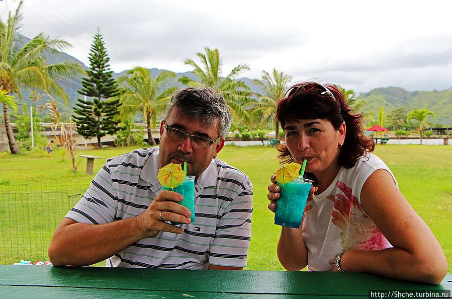на Гавайях — только голубые коктейли:)))