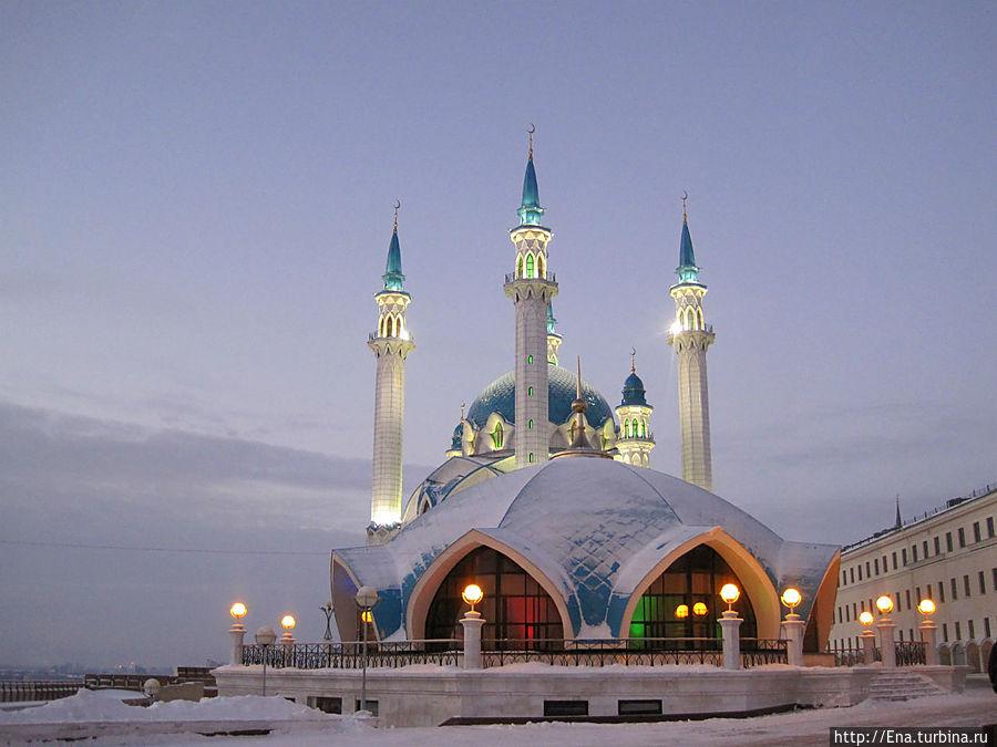 Мечеть Кул Шариф. Чем-то напоминает... космический корабль ))