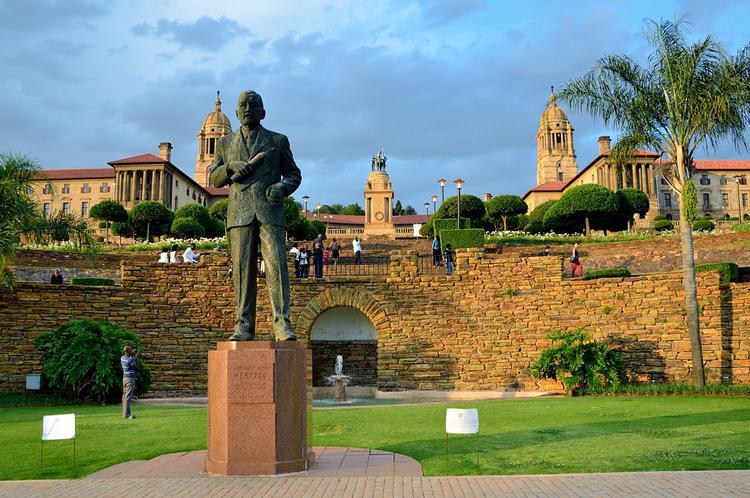 Памятник премьер-министру