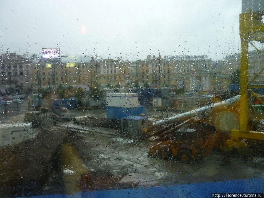 Неэстетичный вид под дождем из Orange club