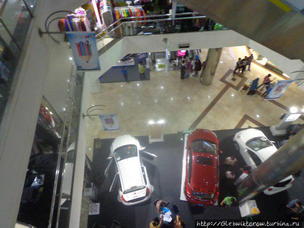 Hypermart BIP Plaza Бандунг, Индонезия