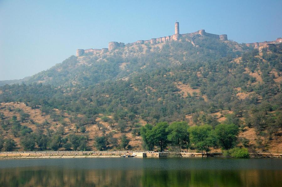 Джайгарх более крупным планом, в т.ч. видна и башня