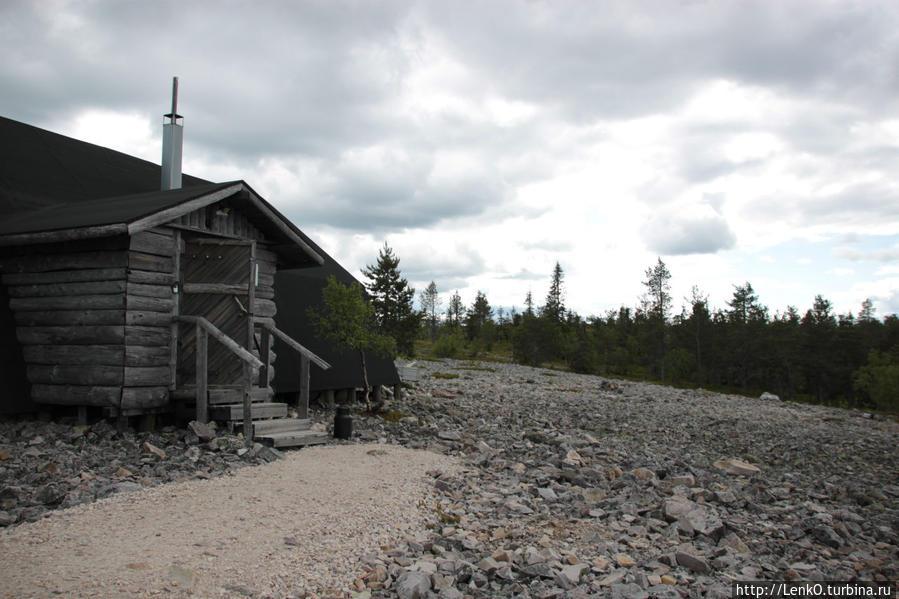 домик, где нам рассказывали об этом месте и аметистах