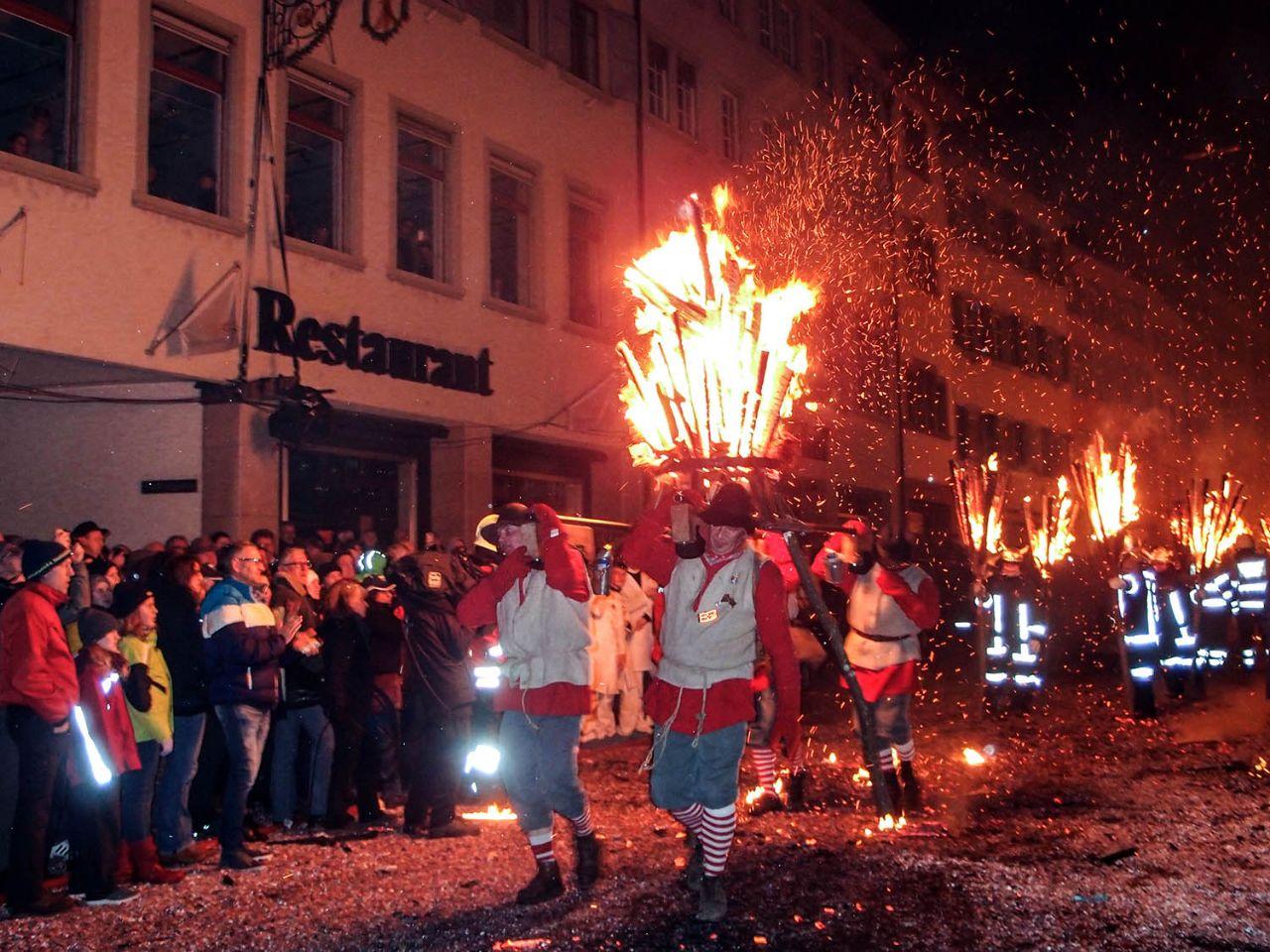 Листаль зажигает Листаль, Швейцария