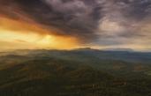 Закат над горами Кавказа вид с башни Ахун в Сочи. Снято на Nikon d 7000. Условия съемки конец августа после прошедшего дождя.