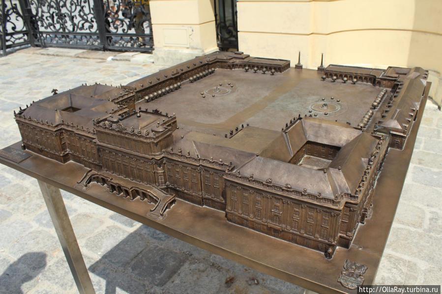 Макет дворца