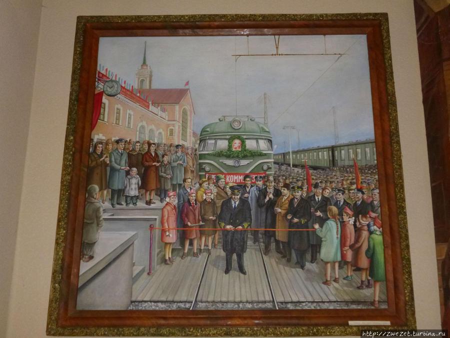 Первая электричка, прибывшая на станцию Волховстрой