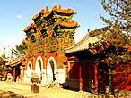 Ворота к буддийскому храму