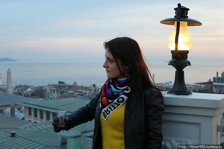 Размышления за чаем на фоне Мраморного моря.