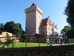 Ренессансный замок был частично разрушен во время Северной войны шведской армией, а затем в 1704 году армиями России и Саксонии.  Во время Второй мировой войны замок был разрушен. В 1959-1964 годах была восстановлена башня на фундаменте бывшей кухни. Окончательно замок восстановлен совсем недавно, в 2010-1013 гг.  Эта реконструкция замка была подвергнута критике за допущенные отступления от исторической действительности.