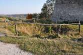 Здесь когда-то был замковый колодец.