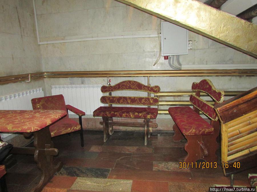 Место отдыха на первом этаже.