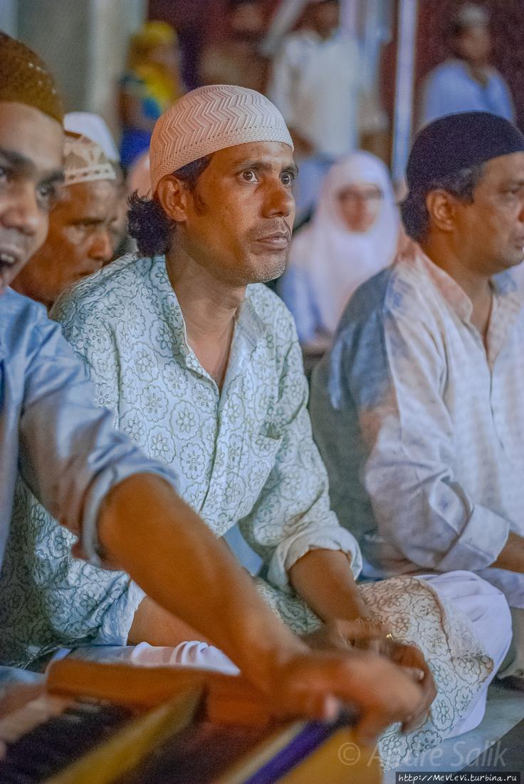 Пение Кавалли (пение священных текстов) Дели, Индия