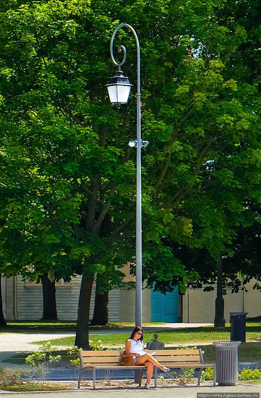 Манящий флер па-де-Труа Труа, Франция