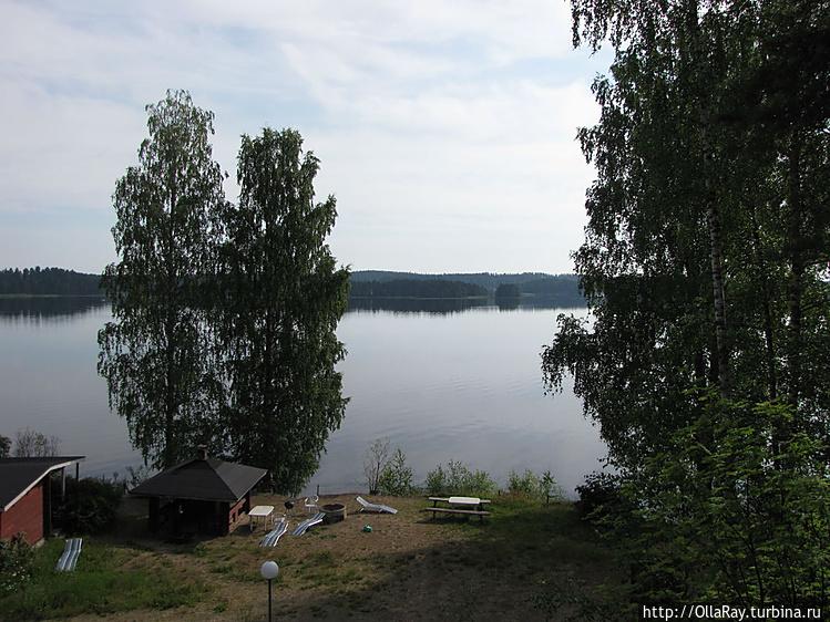 Отель на озере.