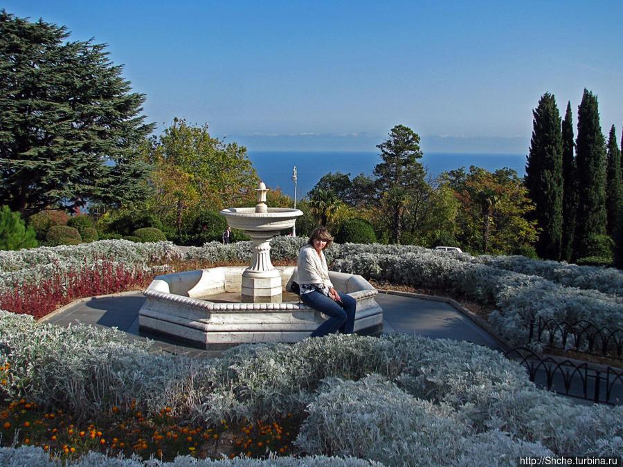 Парк перед Ливадийским дворцом Ливадия, Россия