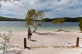 Lake McKenzie — наверное самое красивое на острове, совершенно белый песок и вода как бирюза.