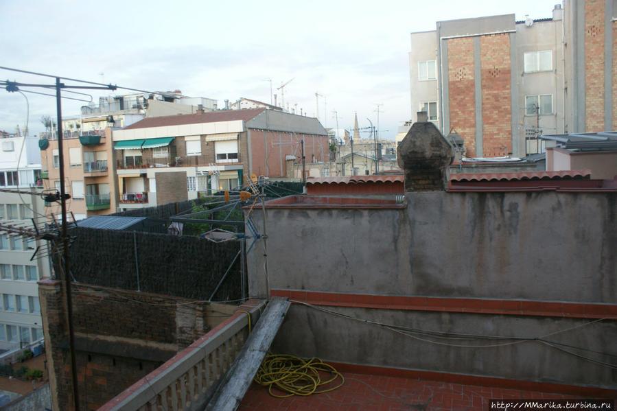 Вид из окна на Саграда Фамилию
