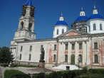 В Кашине осматриваем Воскресенский собор и памятник Анне Кашинской.