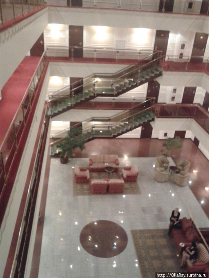 Холл отеля Бородино