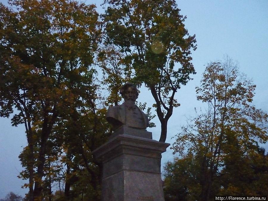 Памятник А.К.Толстому