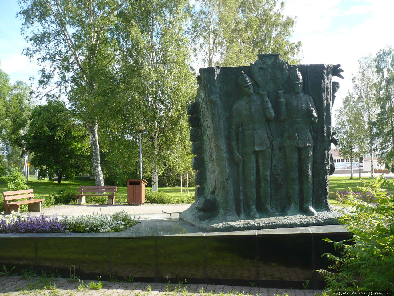 http://im3.turbina.ru/photos.4/5/3/4/5/2/2625435/big.photo/Monument-finskim-egeryam.jpg