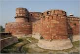 Индийцы преуспели в строительстве фортов, возводя вот такие правильные круглые башни...