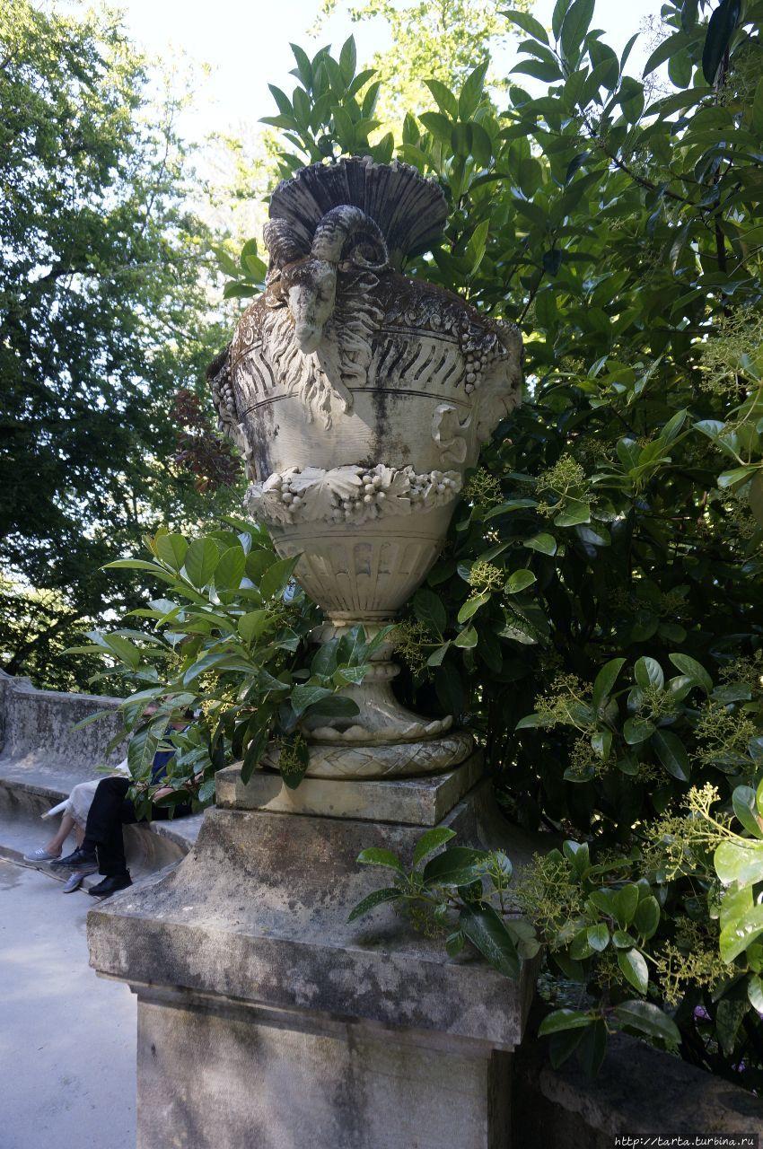 «Райский сад» виллы Регалейра Синтра, Португалия