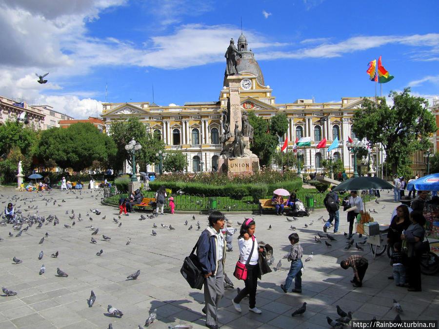 Почти случайная Боливия Боливия