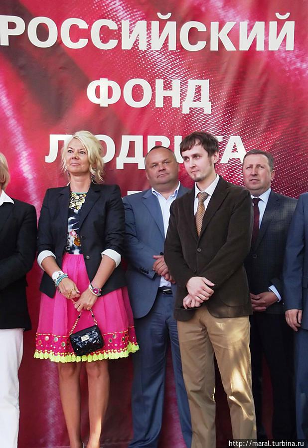 Автор памятника — московский скульптор Ярослав Бородин