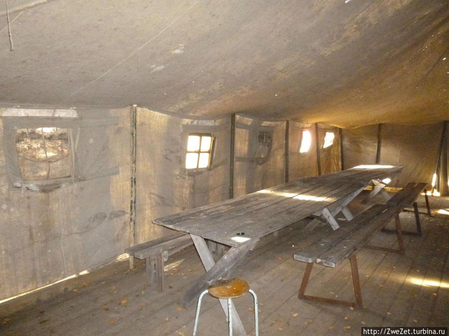 в таких палатках жили работники порта Осиновец