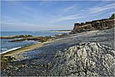Здесь — довольно живописно. Мы с удовольствием полазили по камням, прилегающим к форту со стороны моря... *