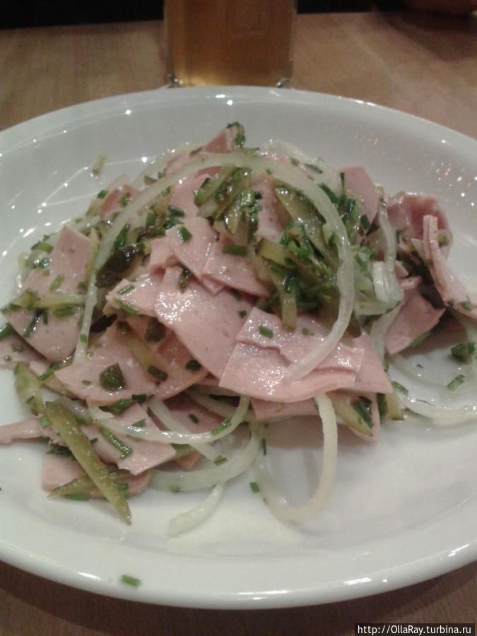 Салат из колбасы