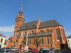 Позднеготический собор Рождества Богородицы был построен в 1400 году. Позднее неоднократно перестраивался (1511). Нынешний облик собор принял в конце XVIII века.