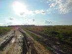 В  Уржуме после не большой   остановки ,  транзитом   двинулись  в  сторону  Буйска.  Его тоже проехали без  остановок, асфальт там  закончился,  мы  свернули  на  полевую  дорогу,