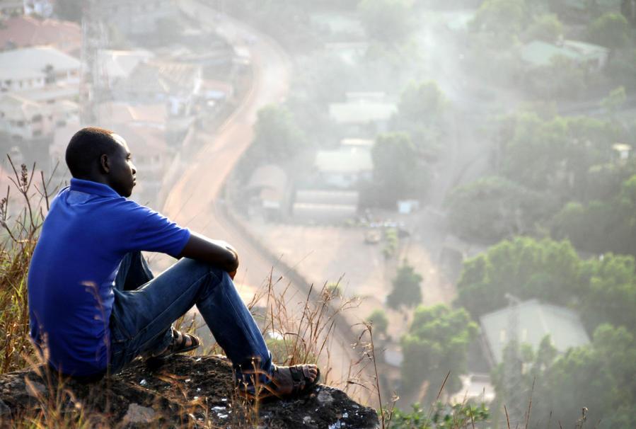 Где во Фритауне на мгновение можно стать счастливым Фритаун, Сьерра-Леоне