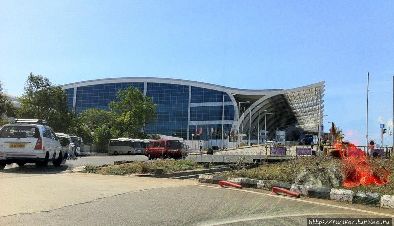Здание аэропорта в Гоа