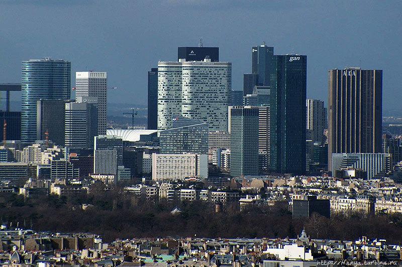 Париж. Район Дефанс. Фото