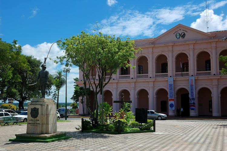 Эль Кабильдо и памятник о