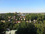 Тем более, что с башни открывается неплохой вид на весь Чешин – его как польскую, так и чешскую часть (видно хорошо даже горы – Бескид Шленски). Это и вызвало желание немедленно посетить соседнюю страну, вернее город Чешский Тешин (дабы еще больше поднять настроение).