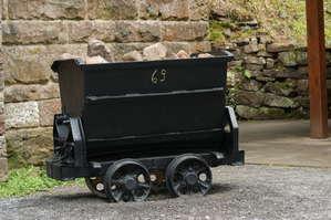 Старинные вагонетки