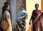 Мне одежда тамилок напоминала индуистские храмы — такая же разноцветная и яркая