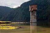 Штуковина неизвестного назначения и времени происхождения. Очень похожа на опору моста или водонапорную башню.