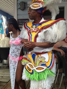 Багамцы в национальной одежде.