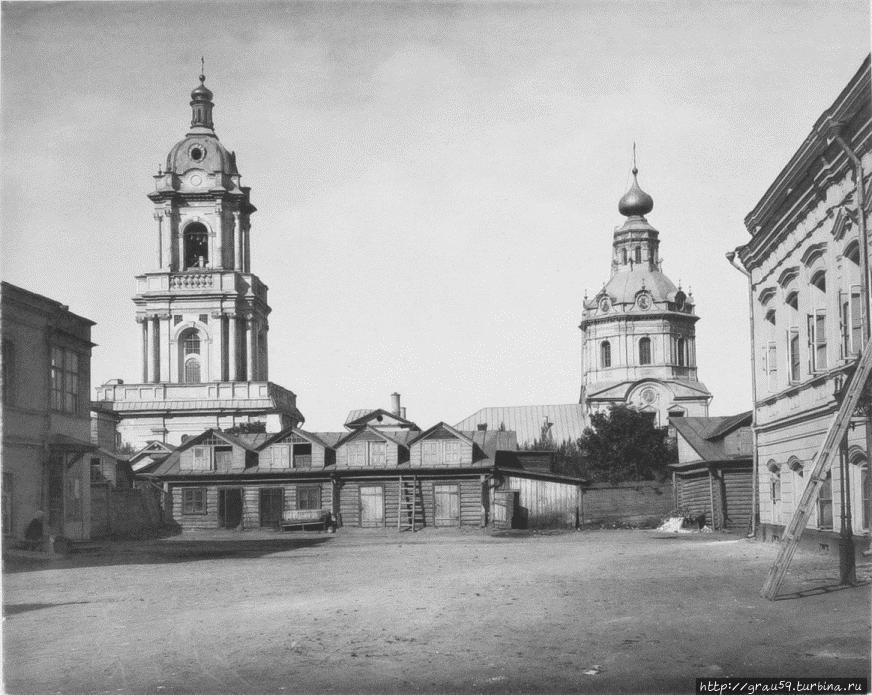 Ильинская церковь (колокольня) и церковь Параскевы Пятницы (фото из Интернета)