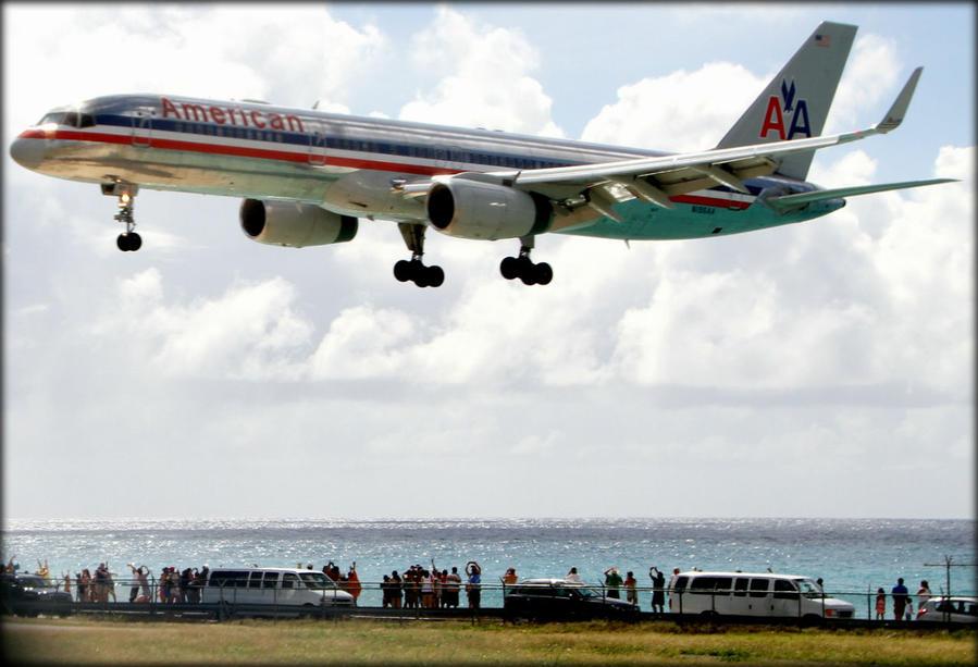 Под крылом самолета или самый известный Карибский пляж Филипсбург, Синт-Мартен