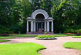 Памятник Марие Федоровне — Павильон Росси.