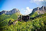 Отдохнув и сделав сотню фотографий позировавшей нам горы, да и всей нашей команды, отправляемся дальше.