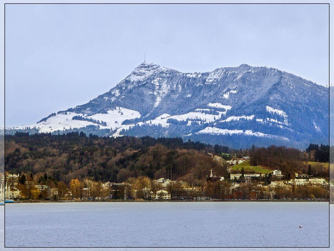 Дорога, озеро и лев Люцерн, Швейцария