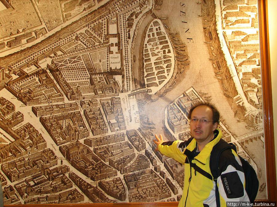 Карта Парижа в доме союза пекарей